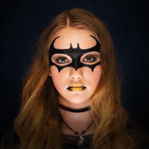 masca cat woman liliac machiaj halloween