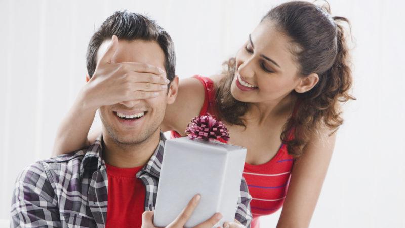 10 idei de cadouri speciale pentru barbati