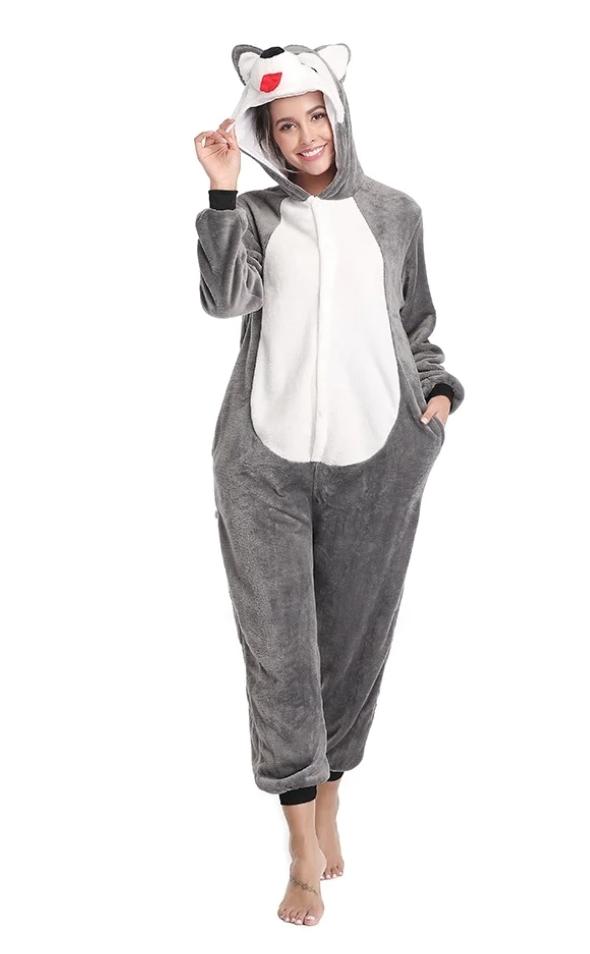 pijama salopeta eroii in pijamale pufoasa oysho dama femei