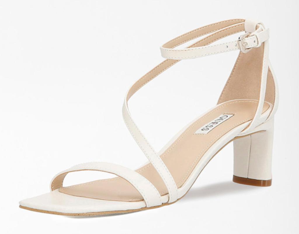 sandale elegante cu toc mic albe guess platforma